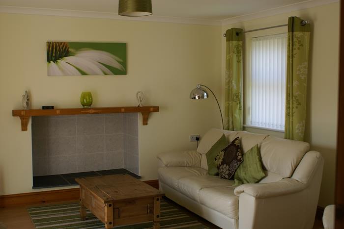 Cottage 6 Lounge